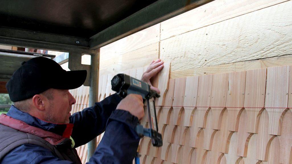 Montage Holzschindeln